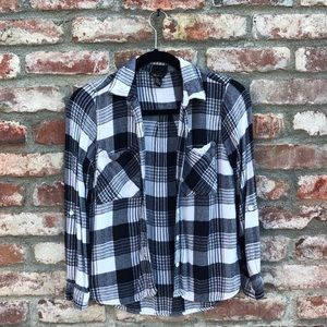 F21 lightweight flannel